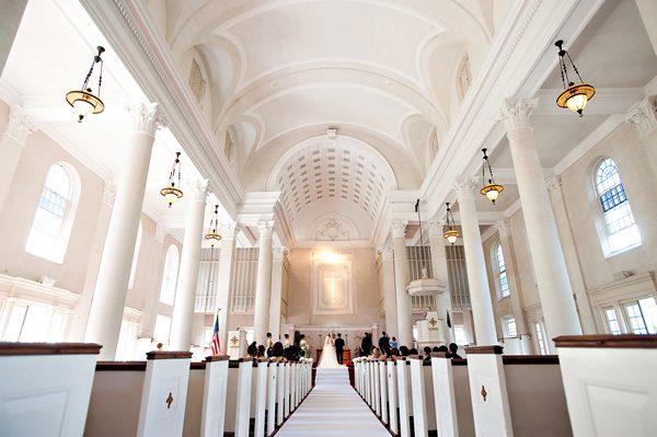セントラル・ユニオン教会 | Central Union Church Sanctuary カマアオレ・ウェディング